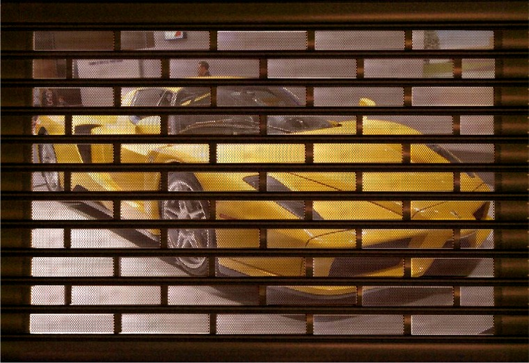 Rolling grille doors rolling gate roll up doors manhattan new york 718 618 6130 for Interior roll up security doors